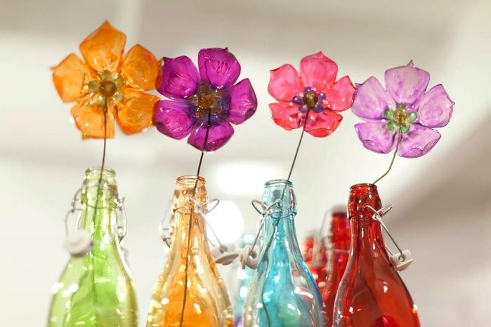 цветы из пластиковых бутылок (41) (700x466, 190Kb)