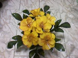 цветы из пластиковых бутылок (43) (320x240, 60Kb)