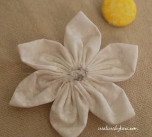 Как сшить цветы из ткани. Мастер-класс (13) (300x271, 35Kb)