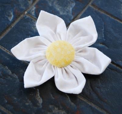 Как сшить цветы из ткани. Мастер-класс (15) (400x373, 63Kb)