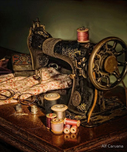 Alf Caruana  VINTAGE SEWING MACHINE (426x512, 93Kb)