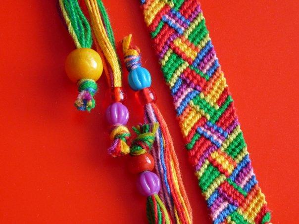 Фенечки - Как плести фенечки - Плетение фенечек из ниток мулине - Плетение фенечек из бисера - Схемы плетения фенечек.
