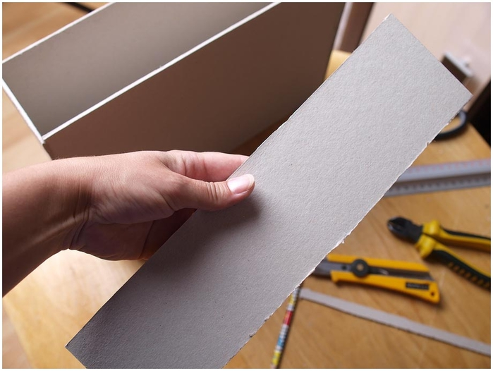 Портфель из картона с подсолнухом и паучком. Подарок для учителя своими руками (13) (700x526, 192Kb)
