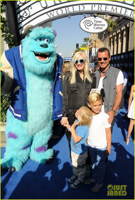 gwen-stefani-gavin-rossdale-monsters-university-premiere-with-the-kids-07 (473x700, 123Kb)