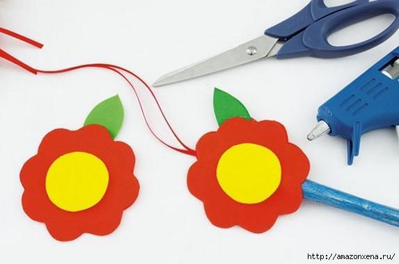 Как своими руками сделать яркие игрушки для малыша. Из вешалки, половников и фоамирана (8) (573x379, 91Kb)