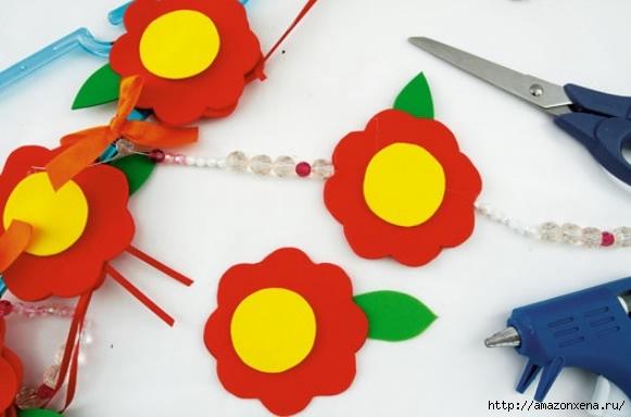 Как своими руками сделать яркие игрушки для малыша. Из вешалки, половников и фоамирана (10) (581x384, 102Kb)