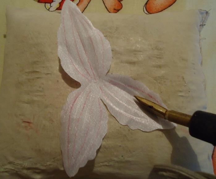 как сделать цветы орхидеи из ткани (2) (700x581, 227Kb)