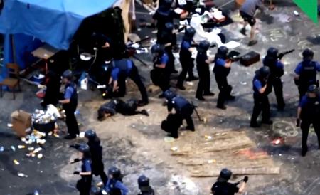 Базель - 100 человек и осёл против полиции (450x274, 109Kb)