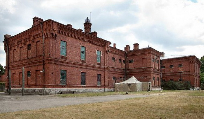 Karosta-Prison-Hotel-2 (700x410, 107Kb)