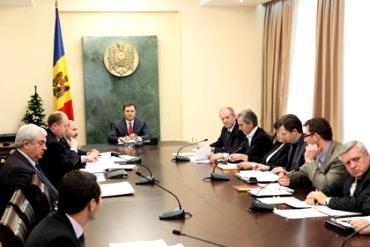 Молдавское правительство (370x247, 72Kb)