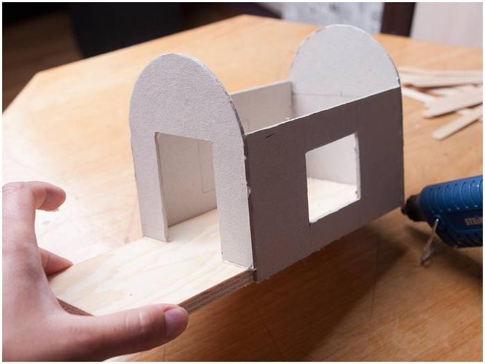 Как сделать из бумаги поделку для дома
