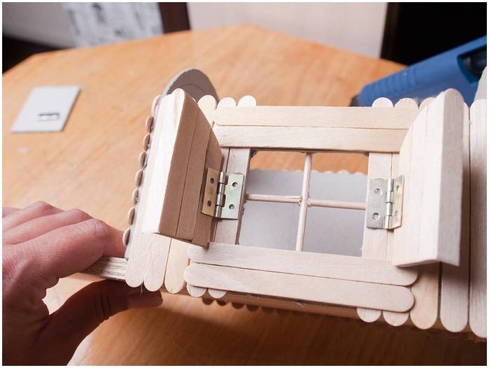 Домик на колесах из картона и палочек от мороженого. МАСТЕР-КЛАСС (37) (700x526, 195Kb)