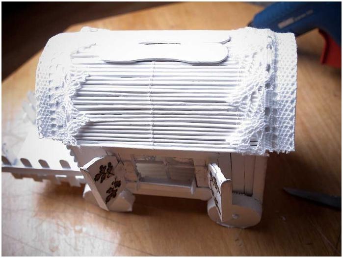 Домик на колесах из картона и палочек от мороженого. МАСТЕР-КЛАСС (62) (700x526, 205Kb)