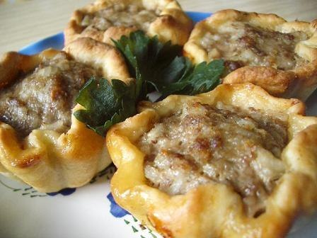 Тефтели в картофельных корзиночках