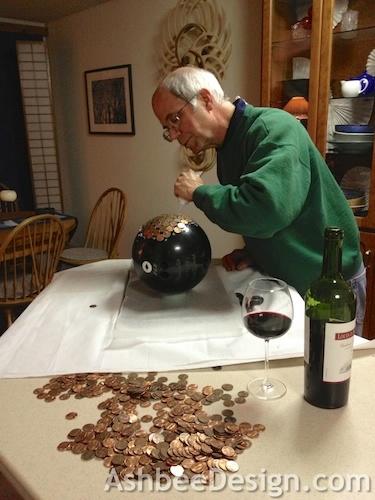 Идея для сада. Монетный шар, мозаика монетами (3) (375x500, 124Kb)