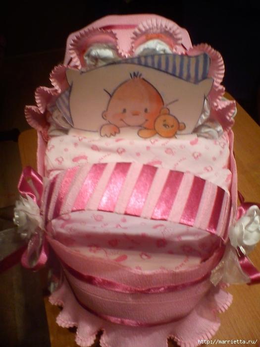 Подарок для новорожденного. КОЛЯСКА ИЗ ПАМПЕРСОВ. Мастер-класс (1) (525x700, 246Kb)