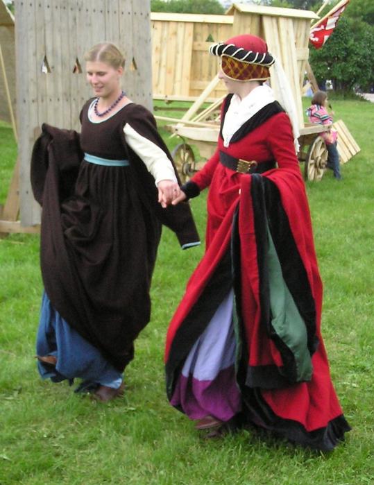 Средневековая одежда реконструкция
