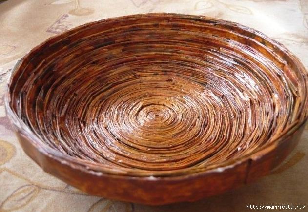 Плетение из газет. Поделки из колечек и тарелка из трубочек (12) (631x435, 229Kb)