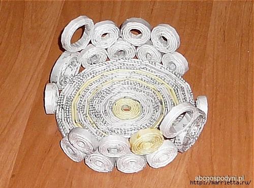 Плетение из газет. Поделки из колечек и тарелка из трубочек (27) (500x370, 183Kb)