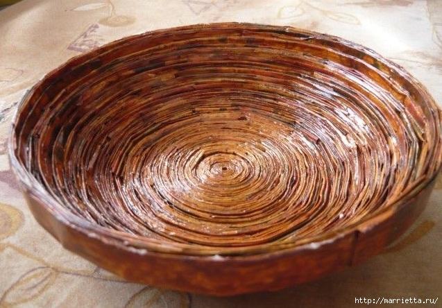 Плетение из газет. Поделки из колечек и тарелка из трубочек (1) (637x444, 232Kb)