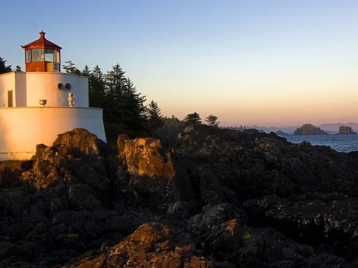 Lighthouse (700x525, 408Kb)