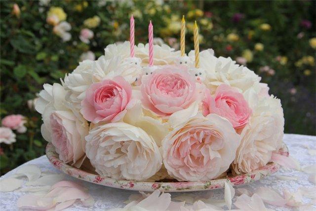 Фото с днем рождения торт из цветов