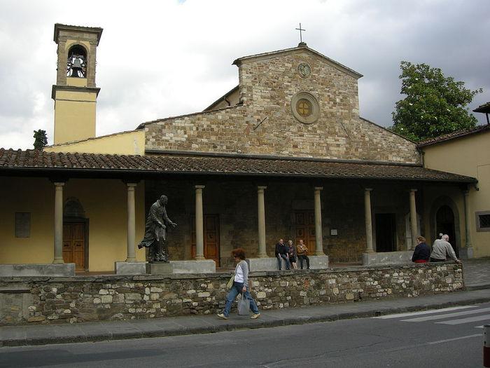 768px-Chiesa_delle_montalve,_crocifisso_duecentesco_con_aggiunte_seicentesche_02 (700x525, 69Kb)