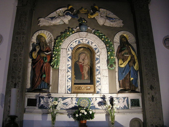 768px-Chiesa_delle_montalve,_crocifisso_duecentesco_con_aggiunte_seicentesche_02 (700x525, 85Kb)