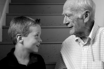 boy_and_grandfather (333x221, 14Kb)