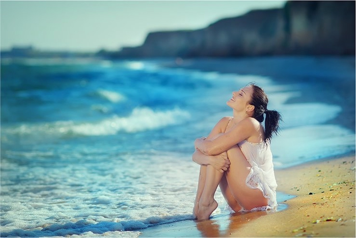 Happy-uploaded-by-Logan5-category-tags-woman-beach-happiness-stunning-photos-woman-beach-meny-Photography-babes-beauty-women-dragut-x-güzellik-Fav-güzeller_large (700x467, 182Kb)