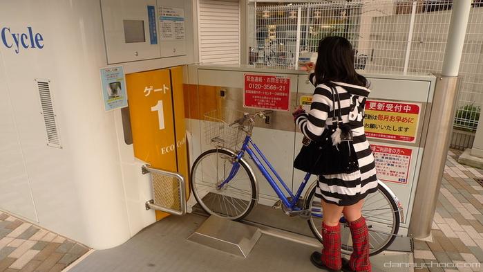 велопарковка в токио 1 (700x393, 316Kb)