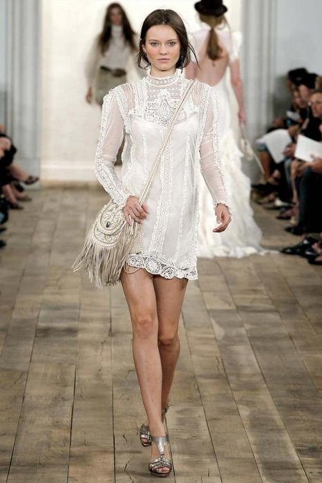 Короткие кружевные платья 9
