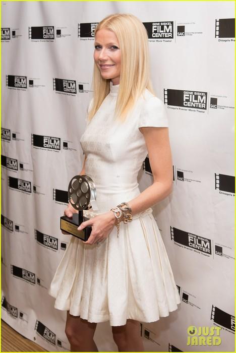 gwyneth-paltrow-gene-siskel-film-center-gala-honoree-04 (468x700, 71Kb)