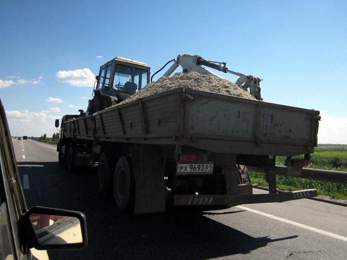 683232_evakuator_traktor830 (700x525, 121Kb)