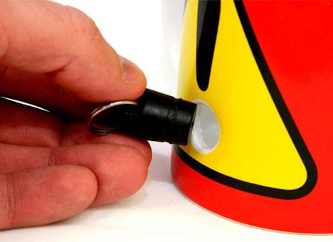 прикольная чашка с пробкой 1 (468x340, 86Kb)