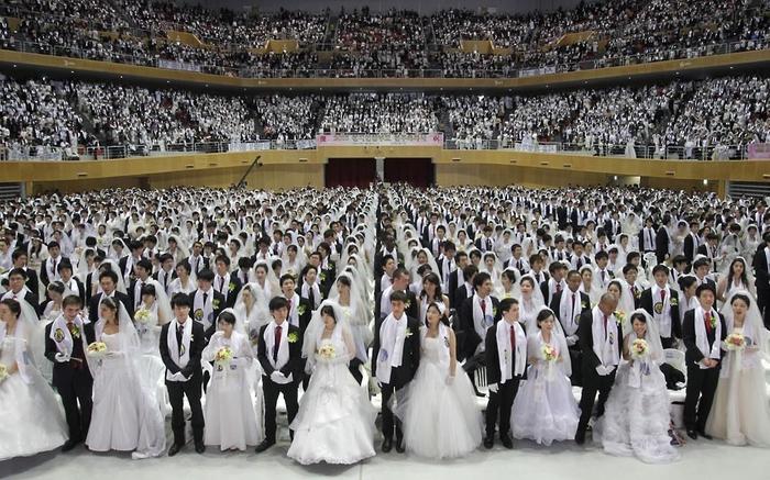 массовая свадьба фото (700x437, 297Kb)