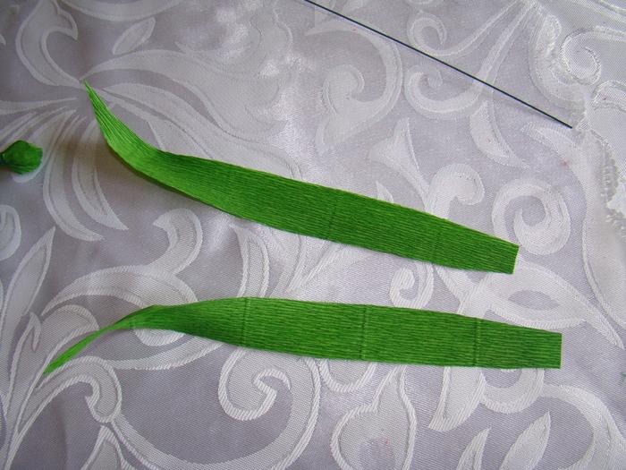 Фрезия из гофрированной бумаги. Фото мастер-класс (20) (700x525, 305Kb)