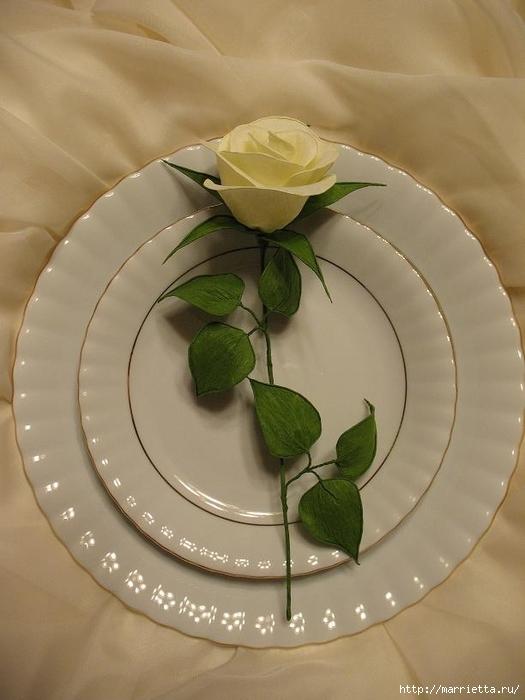 Очень красивые розы из гофрированной бумаги (40) (525x700, 200Kb)