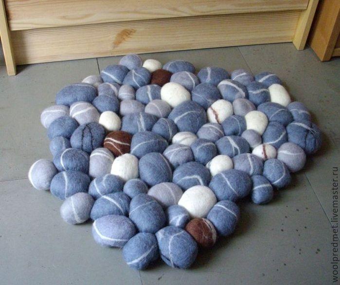 камни из войлока/4682845_1a85079207dlyadomaintereravalyanyjkovrik1 (700x586, 62Kb)