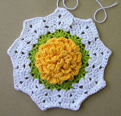Вязание крючком прихватки с цветами 148