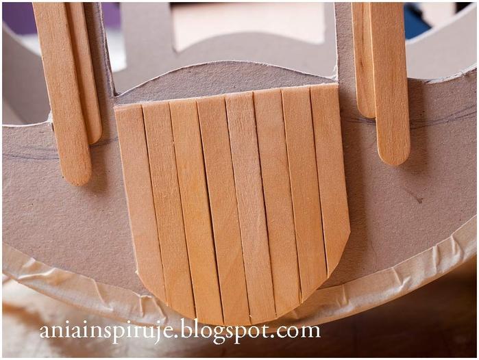 Сказочная карета из картона, проволоки и палочек от мороженого. Мастер-класс (25) (700x526, 257Kb)