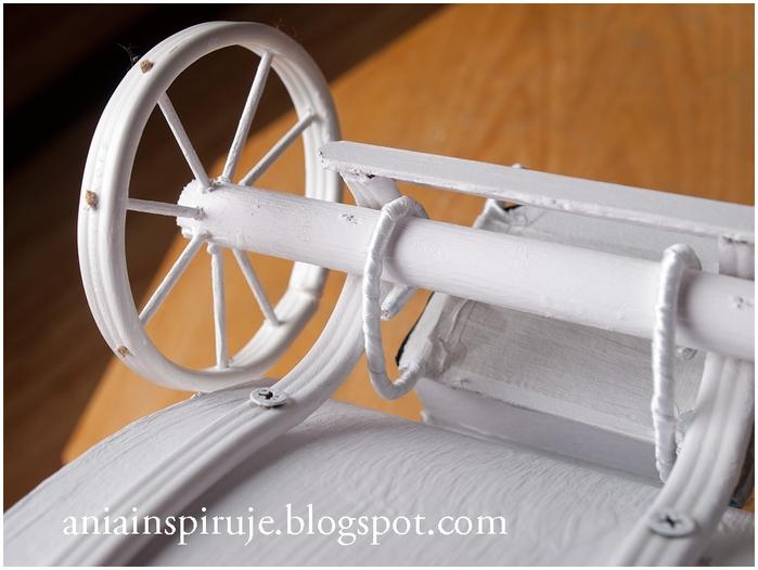 Сказочная карета из картона, проволоки и палочек от мороженого. Мастер-класс (46) (700x526, 197Kb)