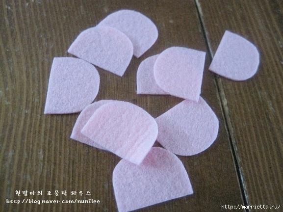 Маленькие розочки из фетра. Украшаем резиночки для маленьких принцесс (2) (577x432, 167Kb)