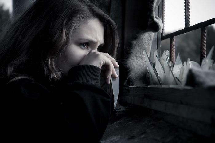 Демотиваторы про любовь со смыслом Больно не разбить мечту картинка.