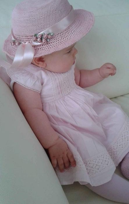розовая шляпка крючком для девочки (6) (443x700, 165Kb)