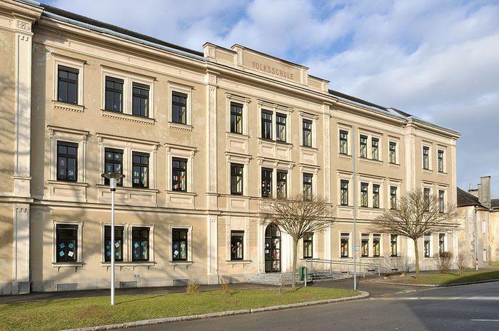 Enns_Alter_Schmiedberg_6_Kindergarten (700x464, 79Kb)