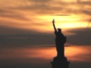 Зловещая амертканская статуя якобы свободы (310x233, 34Kb)