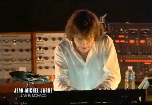 Jean Michel Jarre 2 (520x358, 38Kb)