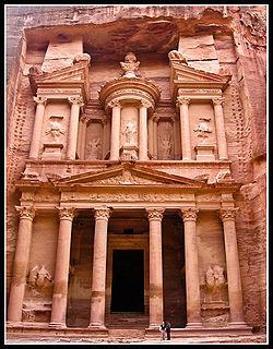 250px-treasury_petra_jordan (250x320, 34Kb)