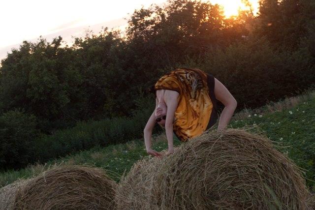 Секс с мулаткой в стогу сена 173